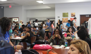 AP and AICE students enjoyed lunch in the Tomahawk Cafe.