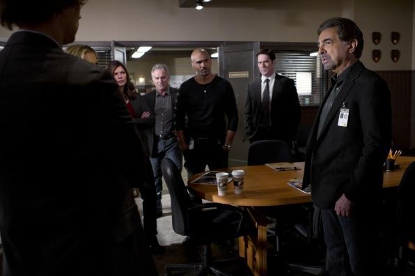 Spencer Reid, Jennifer Jareau, Alex Blake, Derek Morgan, Aaron Hotchner, and David Rossi (from left to right).