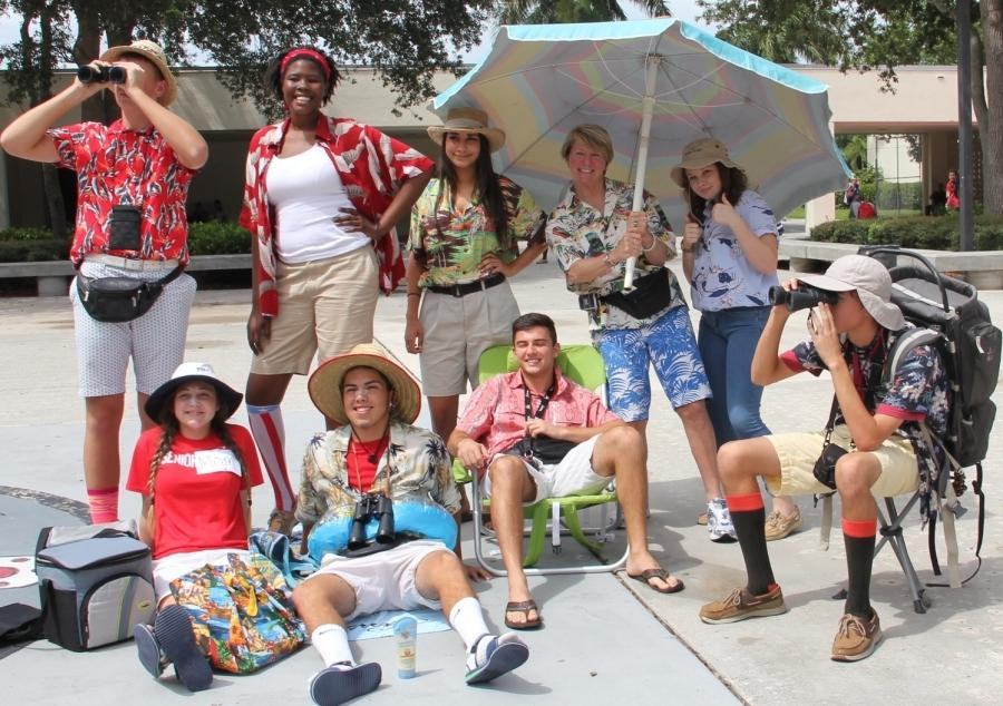These+tacky+tourists+have+a+little+picnic+at+lunch+by+the+Chief+Head.