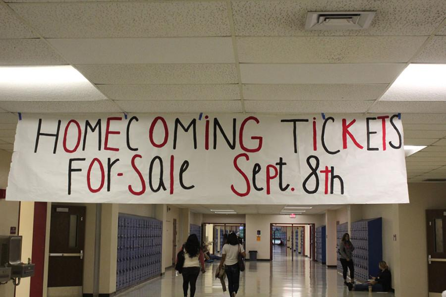 The Homecoming banner in the 8000/9000 building