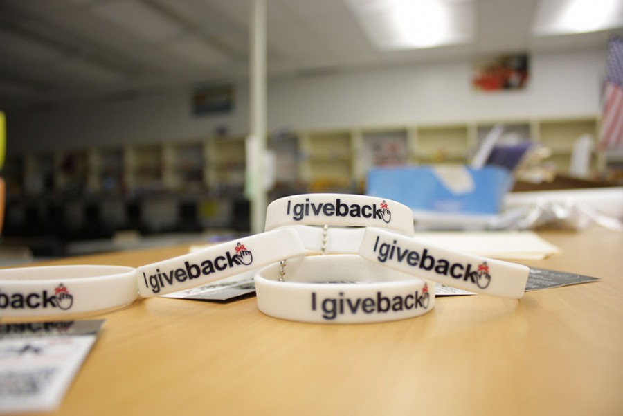 SGA+spreads+the+love+to+chiefs+in+need+by+selling++I+Give+Back+bracelets+for+%243.