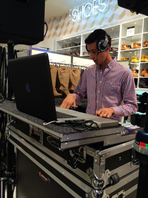 Forever 21 hired a high-energy DJ just for the occasion.
