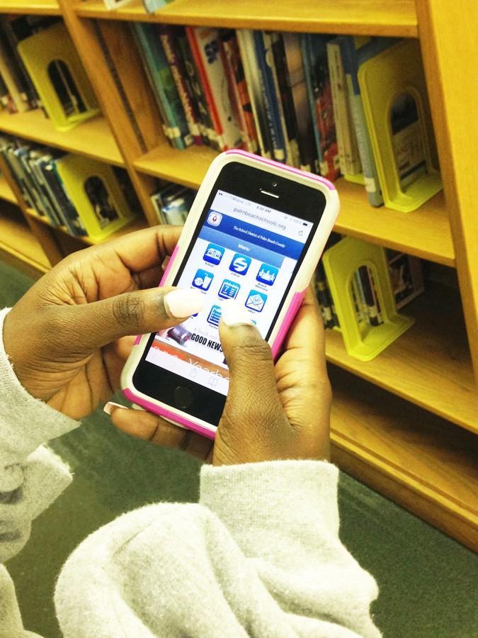 Virtualized Bookshelves Make Backpacks Lighter