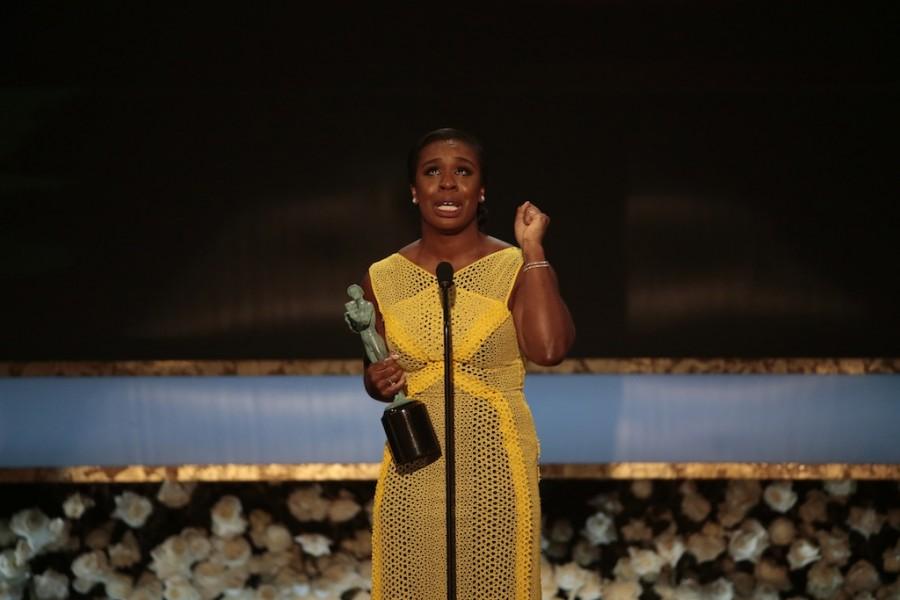 Orange+is+the+New+Black%27s+Uzo+Aduba+accepting+her++award.+