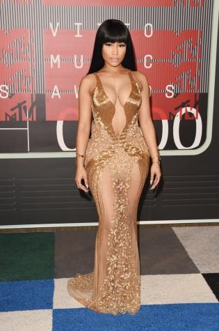 Nicki-Minaj-MTV-VMAs-2015-Red-Carpet