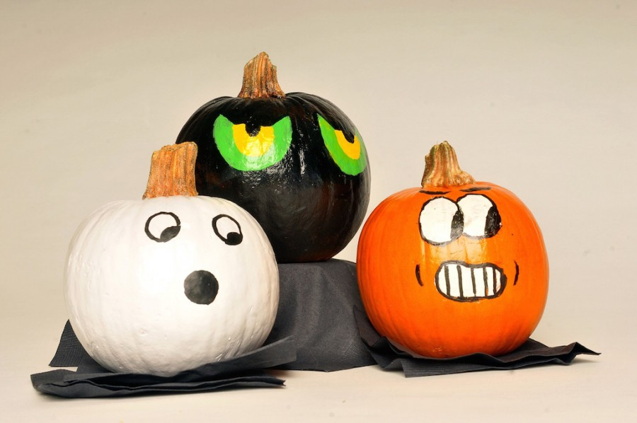 Kids+can+get+creative+painting+pumpkins+-+before+the+actual+jack-o-lantern+carving+begins.+%28Tracy+Barbutes%2FModesto+Bee%2FMCT%29