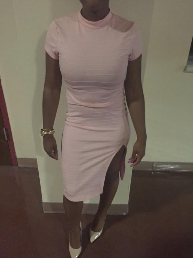 Beautiful+light+pink+short+dress+with+a+slit.