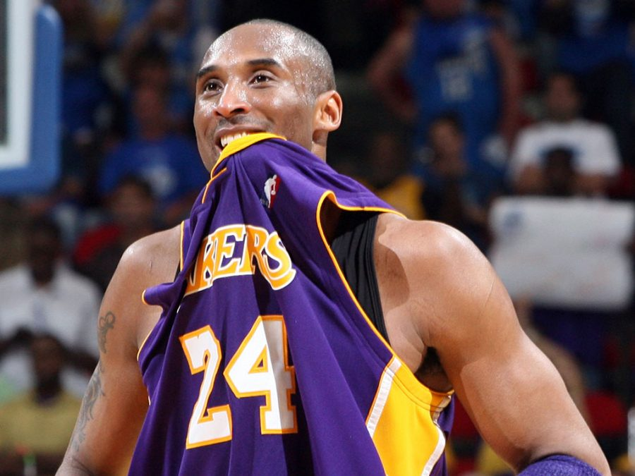 The+Los+Angeles+Lakers%27+Kobe+Bryant+%2824%29+celebrates+a+99-86+win+in+Game+5+of+the+NBA+Finals+against+the+Orlando+Magic+at+Amway+Arena+in+Orlando%2C+Florida%2C+Sunday%2C+June+14%2C+2009.+The+Lakers+won+the+Finals+with+the+win+in+Game+5.+%28Gary+W.+Green%2FOrlando+Sentinel%2FMCT%29