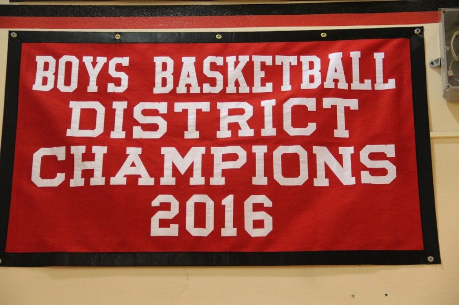 Photo of the Day: New Basketball Banner Installed