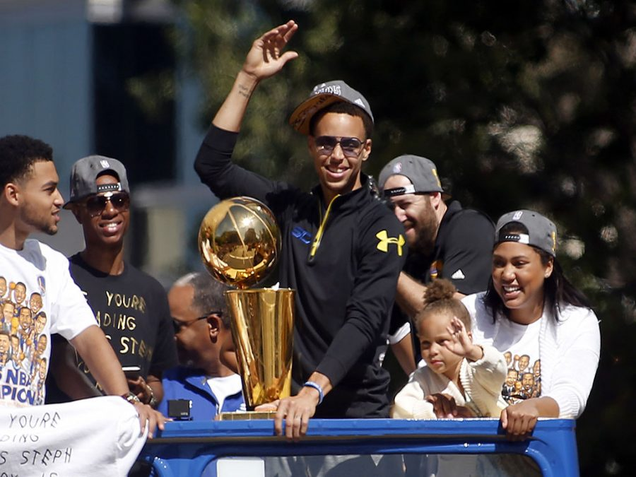 Stephen+Curry+basks+in+the+glow+of+the+Golden+State+Warriors%26apos%3B+NBA+championship+parade+alongside+his+wife+Ayesha+and+daughter+Riley+in+downtown+Oakland%2C+Calif.%2C+on+Friday%2C+June+19%2C+2015.+%28Karl+Mondon%2FBay+Area+News+Group%2FTNS%29