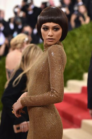 "NEW YORK, NY - MAY 02: Actress Zendaya attends the ""Manus x Machina: Fashion In An Age Of Technology"" Costume Institute Gala at Metropolitan Museum of Art on May 2, 2016 in New York City. (Photo by Dimitrios Kambouris/Getty Images)"