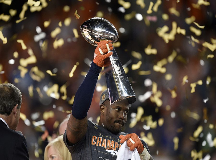 The+game%26apos%3Bs+Most+Valuable+Player%2C+Denver+Broncos+linebacker+Von+Miller%2C+celebrates+as+he+holds+the+Vince+Lombardi+trophy+after+a+24-10+win+against+the+Carolina+Panthers+in+Super+Bowl+50+at+Levi%26apos%3Bs+Stadium+in+Santa+Clara%2C+Calif.%2C+on+Sunday%2C+Feb.+7%2C+2016.+%28Jose+Carlos+Fajardo%2FBay+Area+News+Group%2FTNS%29