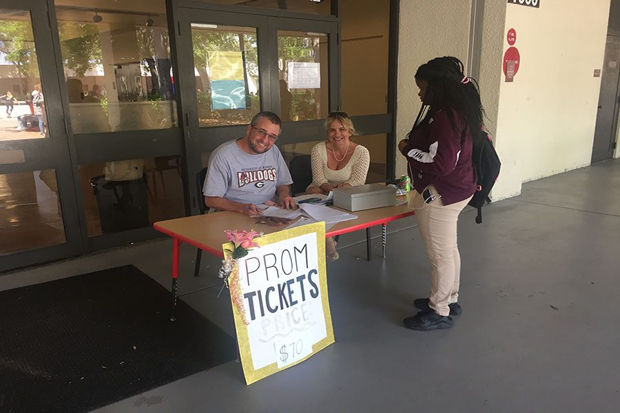 Prom+Tickets+Sold+at+Lunch