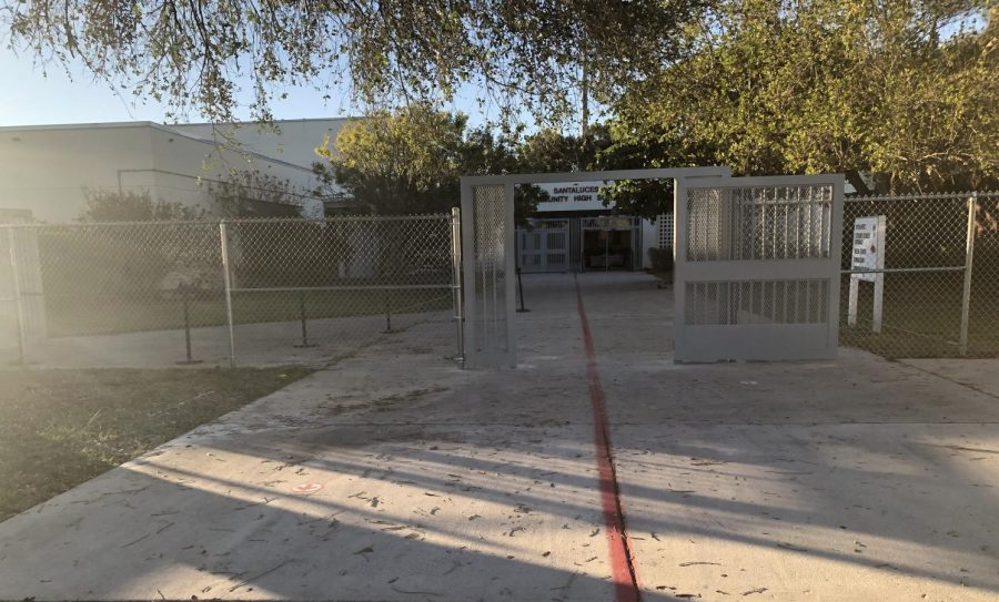 The+new+gate+installed+near+the+student+parking+lot.