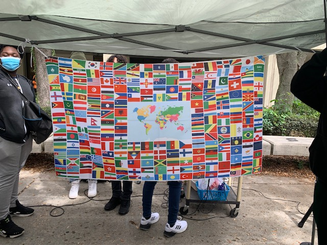 A+banner+with+the+flags+of+the+world.